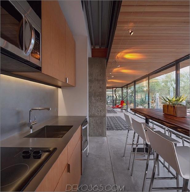 Pferdestall aus offenem Gästehaus-10-from-kitchen.jpg