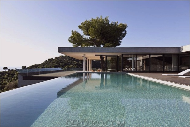 plane house griechenland bietet einfach einen fantastischen Indoor-Outdoor-Lebensstil. 1 thumb 630x422 21343 Plane House in Griechenland bietet einen einfach fantastischen Indoor-Outdoor-Lifestyle