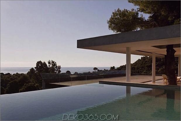 plane house griechenland bietet einfach einen fantastischen indoor outdoor lifestyle 2 poolside thumb 630x420 21345 Plane House in Griechenland bietet einen einfach fantastischen Indoor Outdoor Lifestyle