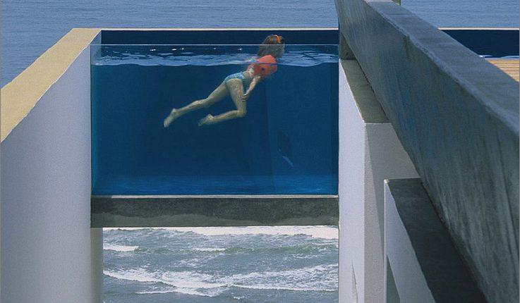 Pools mit Glasmauern: 10 tolle Designs_5c58db06bc14a.jpg