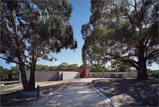 rachcoff vella architecture wärmt moderne häuser australien holz details 1 street view thumb 630x425 21978 Rachcoff Vella Architecture wärmt moderne häuser in australien mit holzdetails auf