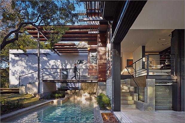 Rancher verwandelt nachhaltiges 2-stöckiges Haus überbrückter Pool 1 Brücke thumb 630xauto 40661 Rancher Verwandelt sich in ein nachhaltiges 2-stöckiges Haus mit überbrücktem Pool