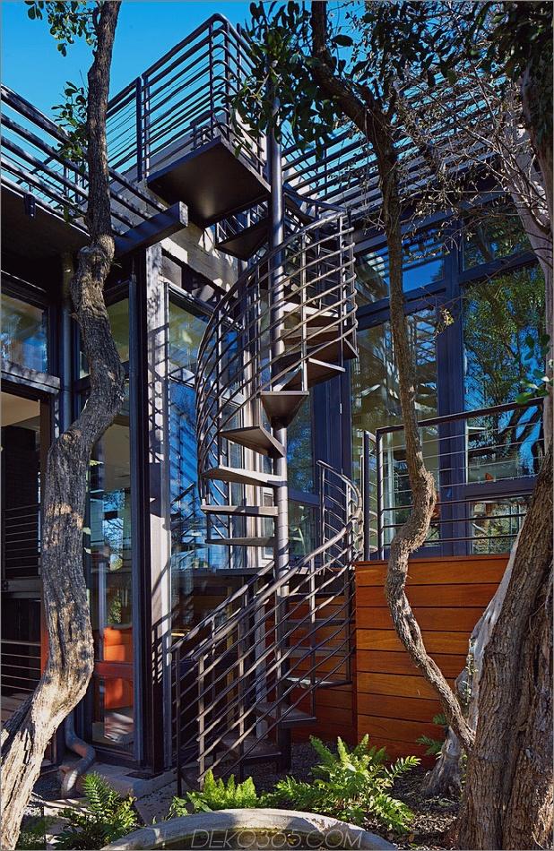 Rancher verwandelte sich in ein nachhaltiges 2-stöckiges Haus mit überbrücktem Pool_5c5993a4c16c7.jpg