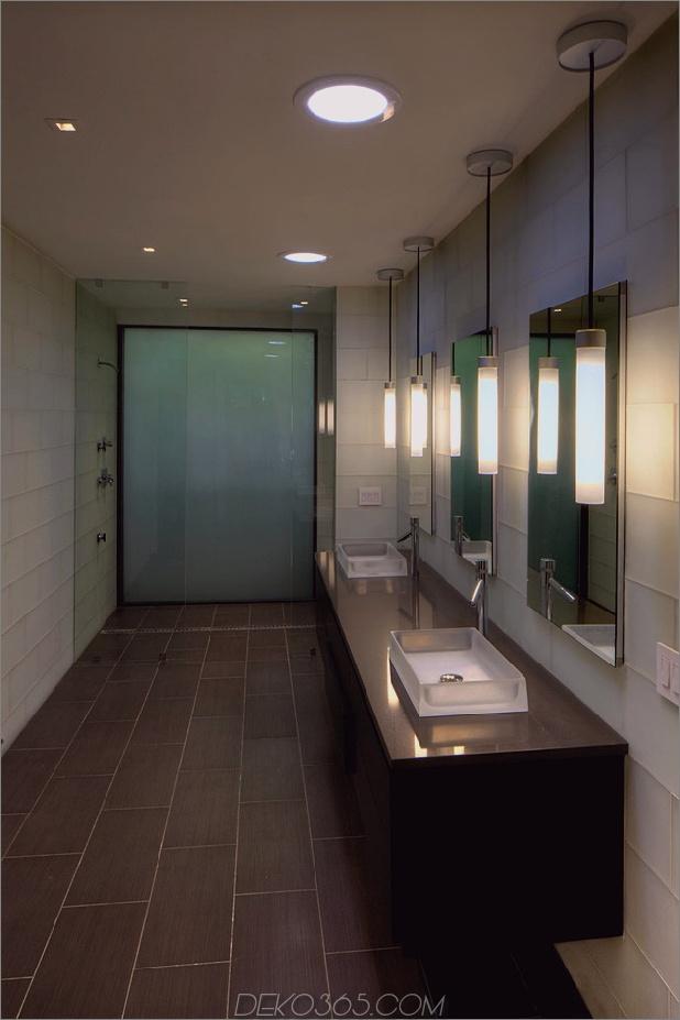 Rancher verwandelte sich in ein nachhaltiges 2-stöckiges Haus mit überbrücktem Pool_5c5993b147e00.jpg