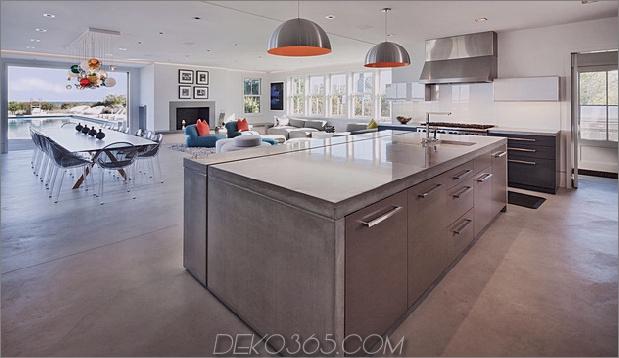 Traditionelles Äußeres verbirgt farbenfrohes zeitgenössisches Interieur 2 social thumb 630x364 30361 Real Modern House: Atemberaubendes Interieur und beliebte Möbel