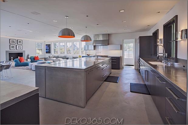 traditionell-exterior-hides-bunt-zeitgenössisch-interior-8-kitchen.jpg