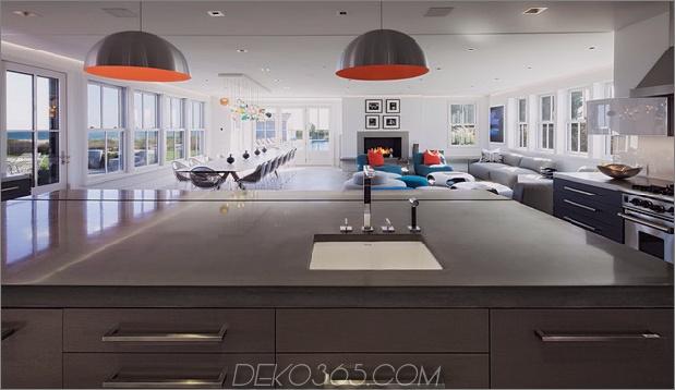 traditionell-exterior-hides-bunt-zeitgenössisch-interior-9-kitchen-island.jpg