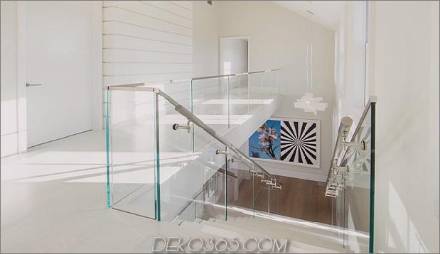 traditionell-exterior-hides-bunt-zeitgenössisch-interior-22-treppen.jpg