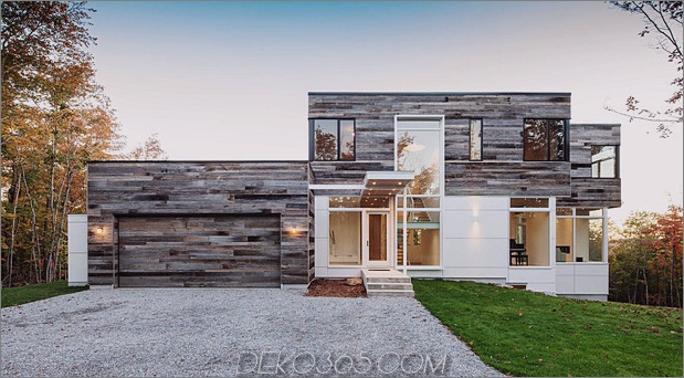 quebec home umgibt die natur mit glas und offenem interieur 1 thumb 630x347 24514 Reclaimed Wood Exteriors und Interiors House