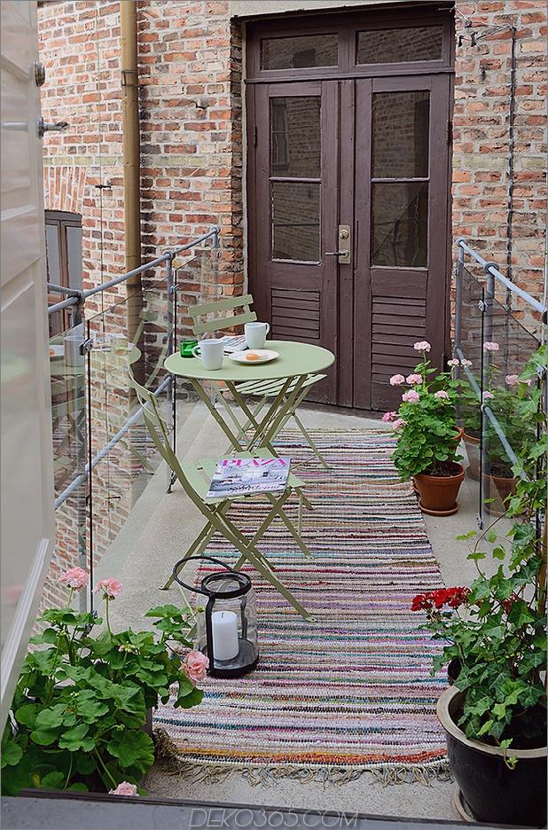 renovierte-heirloom-apartment-original-details-modern-decor-10-deck.jpg