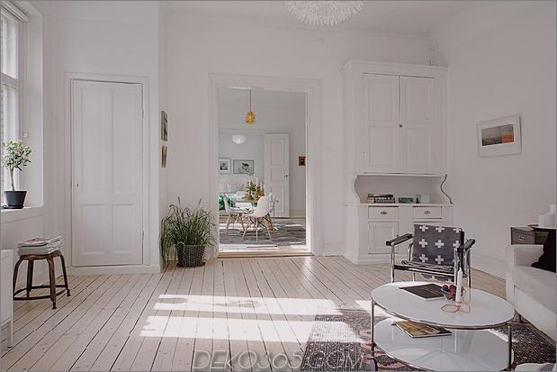 renovierte-heirloom-apartment-original-details-modern-decor-17-living.jpg