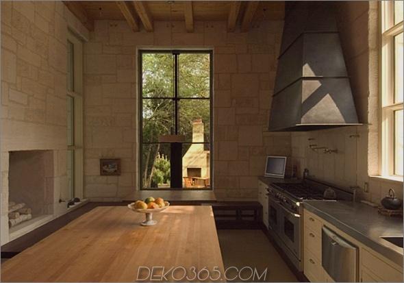 rustikal-Steinhaus-mit-Land-Küche-Glas-Bad-4.jpg