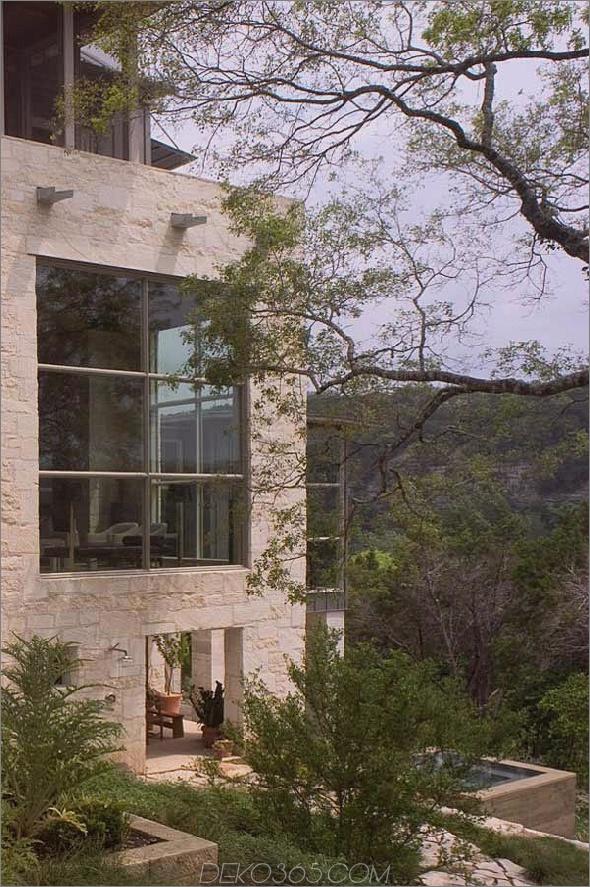 rustikal-Steinhaus-mit-Land-Küche-Glas-Bad-7.jpg