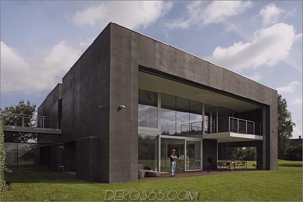 haus schließt-beton-würfelbedeckung-verglaste bereiche-9-brücke.jpg