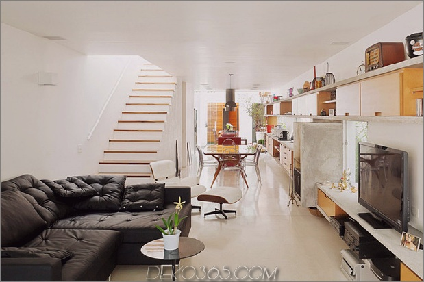 brazil-home-with-open-lineares layout-and-wood-loft-7.jpg