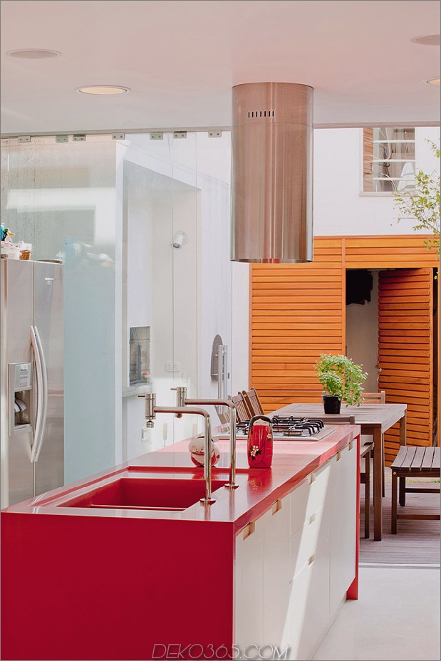brazil-home-with-open-linear-layout-and-wood-loft-8.jpg