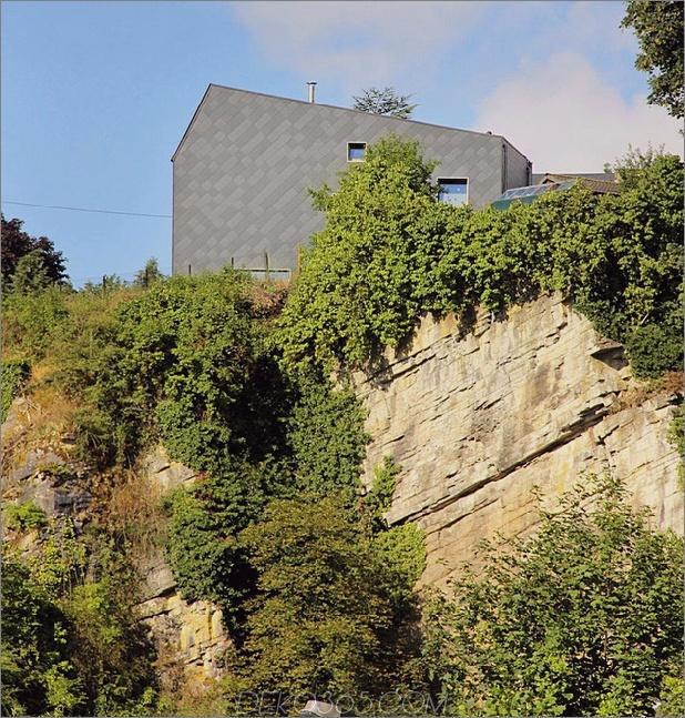 Schmales Grundstück nutzt moderne Festungsmauer Privatsphäre Straße 1 Terraine thumb 630x659 21780 Schmales Los verwendet moderne Festungswand für Privatsphäre von der Straße
