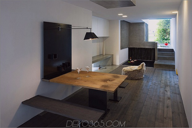 eng-urban-home-with-concrete-walls-and-upper-bridge-10.jpg