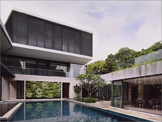 schönes Haus-Hof-Schwimmbad-11-dining.jpg