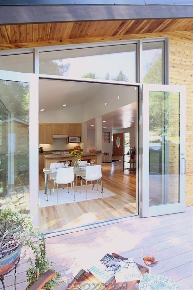 Holz-Wald-Haus-mit-modern-Interieur-und-Holz-Veredelungen-7.jpg