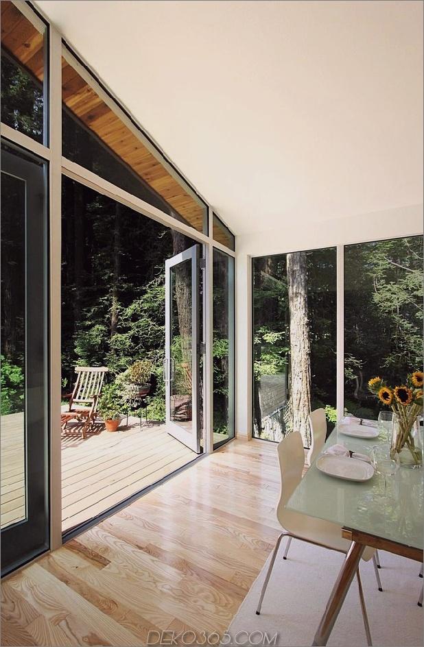 Holz-Wald-Haus-mit-modern-Interieur-und-Holz-Ausführungen-8.jpg