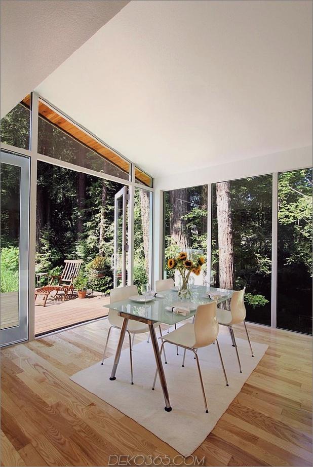 Holz-Wald-Haus-mit-modern-Interieur-und-Holz-Veredelungen-9.jpg