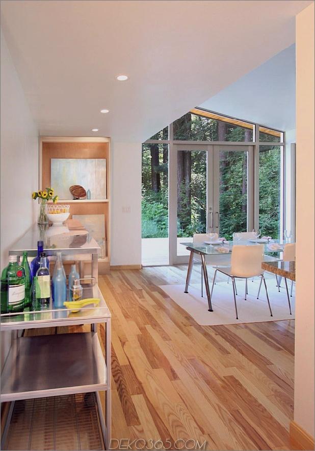 Holz-Wald-Haus-mit-modern-Interieur-und-Holz-Veredelungen-10.jpg