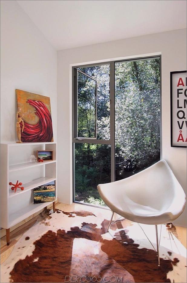 Holz-Wald-Haus-mit-modern-Interieur-und-Holz-Ausführungen-13.jpg