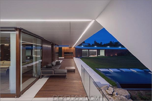 geometrisches Zuhause entsteht Kalk Klippe 2 Pool Terrasse thumb 630x419 27872 Slanted Roof Line Home