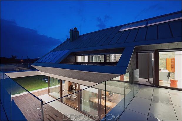 geometrisch-home-emerges-kalk-klippe-7-bathroom.jpg