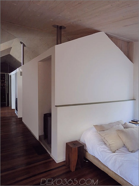 Schuppenhaus-gebaut-aus-Schuppen-9-Schlafzimmer.jpg