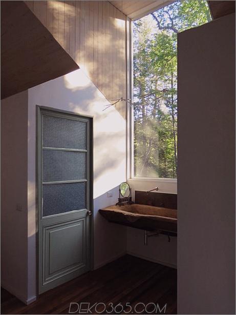 Schuppenhaus-gebaut-aus-Schuppen-11-bathroom-side.jpg