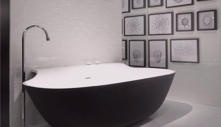 Schwarze Badewannen für moderne Badezimmerideen mit freistehender Installation_5c590ca0d6013.jpg