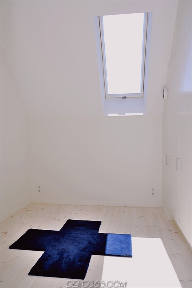 schwedisch-loft-haus-mit-beton-kamin-funktion-9.jpg
