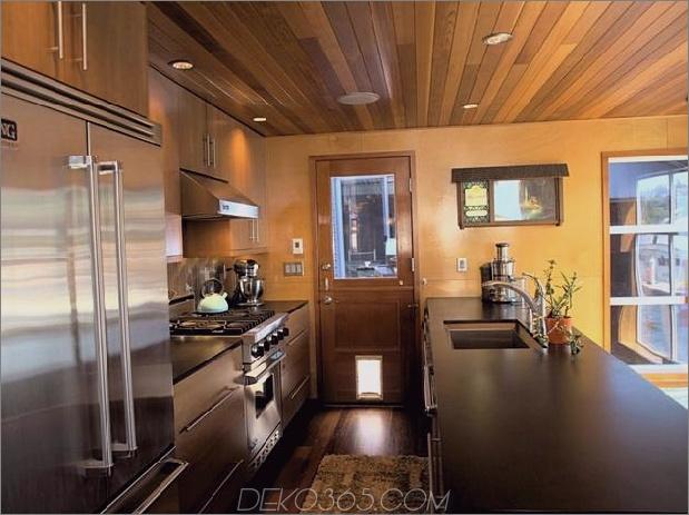 schwimmende Häuser-Interieur-Holz-Küche.jpg