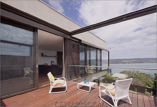 Modernes Strandhaus mit gebogener Fensterwand 14.jpg