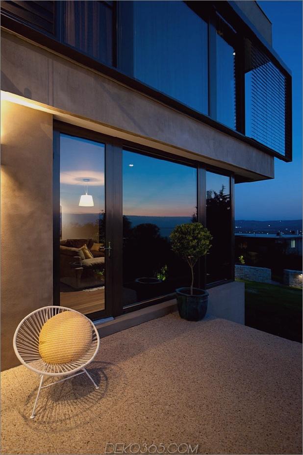 Modernes Strandhaus mit gebogener Fensterwand 30.jpg