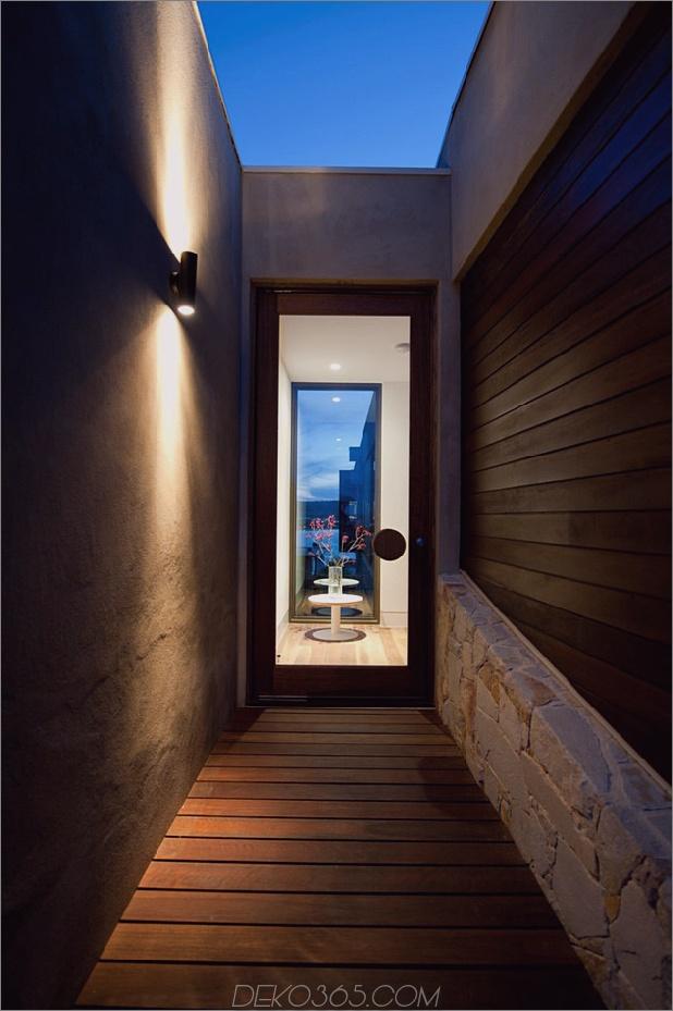 Modernes Strandhaus mit gebogener Fensterwand-34.jpg