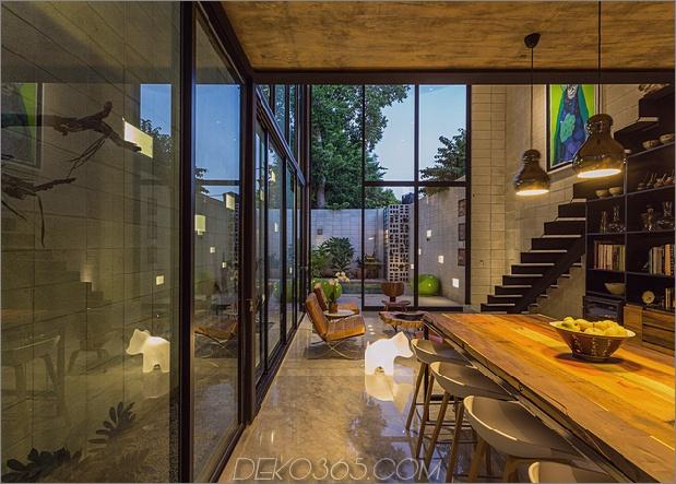 Skinny Concrete Home mit doppelthohen Glastüren_5c58e2797b866.jpg