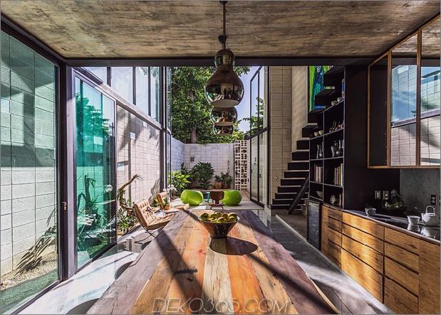 7-dünne-beton-home-doppelthohe glastüren.jpg