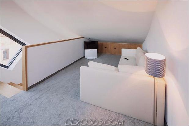 kleines Haus - große Aussage-vertikal-gekrümmte Fassade-14-Schlafzimmer.jpg