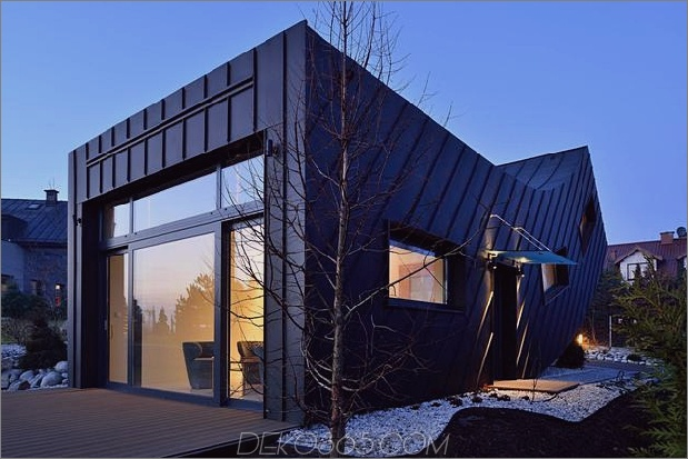 kleines haus - groß-aussage-vertikal-gekrümmte-fassade-16-exterior.jpg