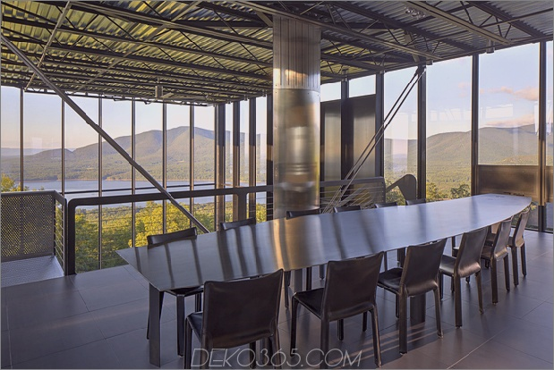 16-Holz-Stahl-Beton-Glas-Haus verschwindet-Landschaft.jpg