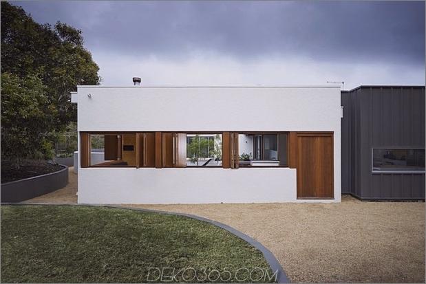 Sommerhaus-Erweiterung-schafft-private-Hof-8-exterior.jpg
