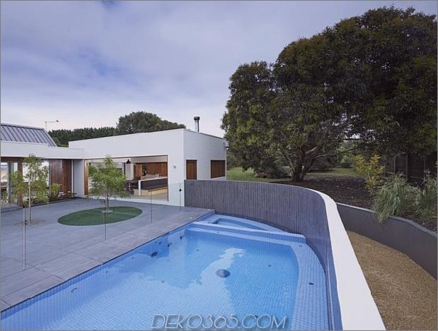 Sommerhaus-Erweiterung-schafft-private-Hof-13-pool.jpg