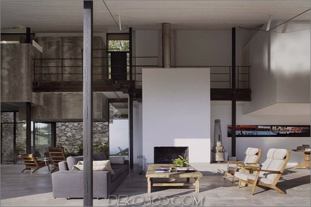 spanisch-stabil-gedreht-zeitgenössisch-stein home-3.jpg