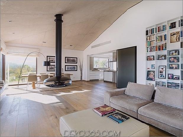 spanisch-familienhaus-mit-komfortabel-zeitgenössisch-offener raum-anklang-4-living-dining-angle.jpg