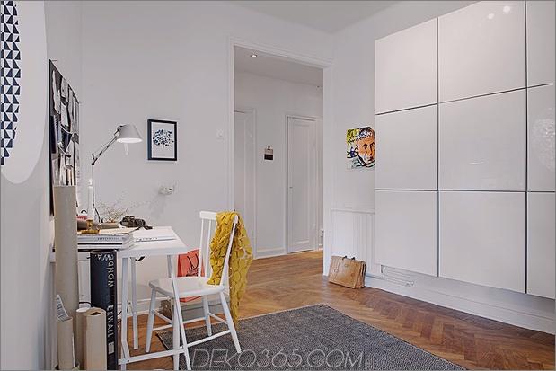 Renoviertes 1930er-Appartement-Spaß-und-Fabelhaftes gegenüber dem Schreibtisch.jpg
