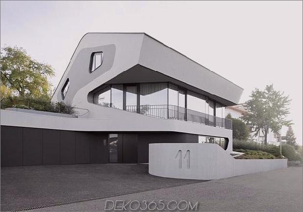 Stahlbetonhaus mit Aluminiumfassade 1 Außenauffahrt Daumen 630x440 24923 Stahlbetonhaus mit Aluminiumfassade