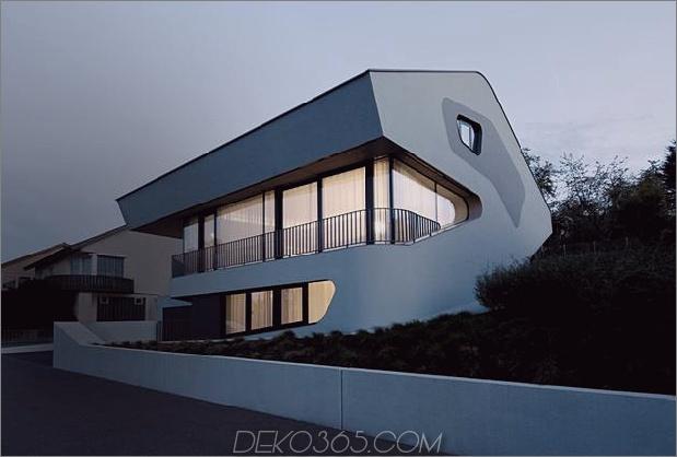 Stahlbeton-Haus-mit-Aluminium-Fassade-4-Front-Nacht.jpg